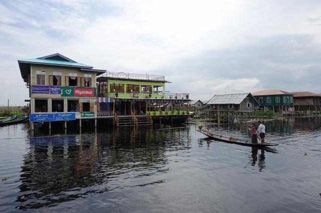 ミャンマーのインレー湖