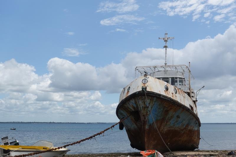 モザンビーク島の大きな船