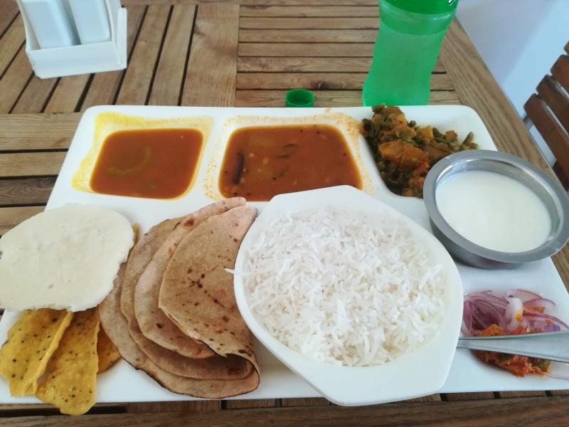 タンザニアのインド料理