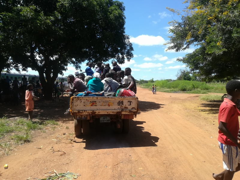 マラウィへのトラック