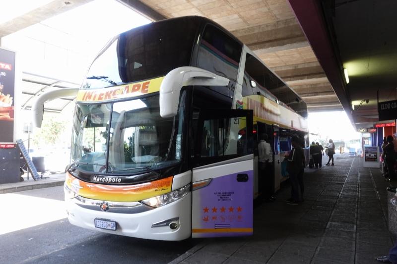 インターケープのバス