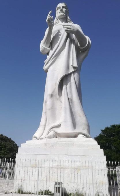 白いキリスト像/ハバナ